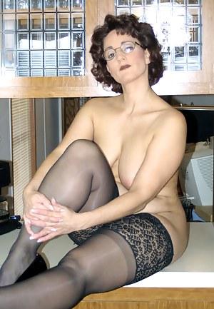 moms porn pics stockings