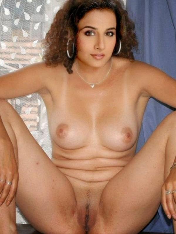 nude balan vidya in photo