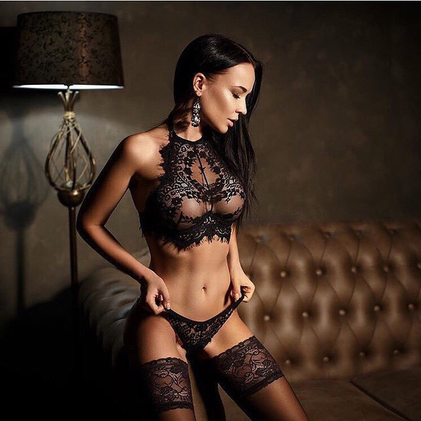 girl pictures lingerie