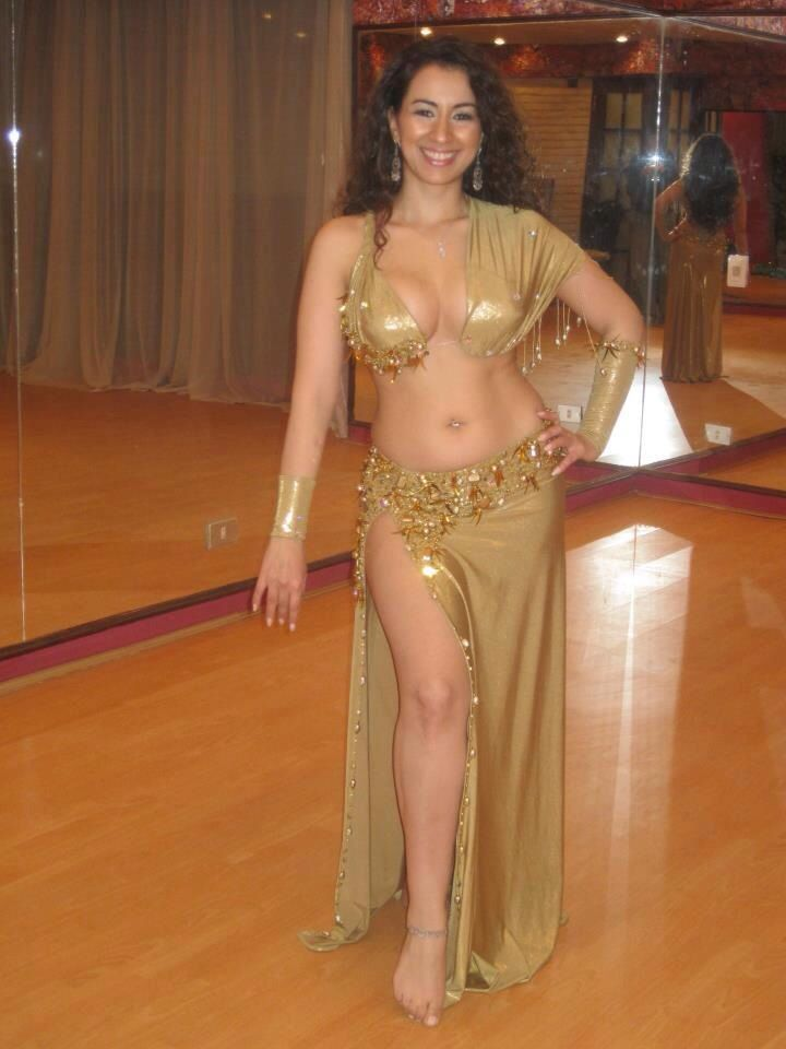 nude belly danceing