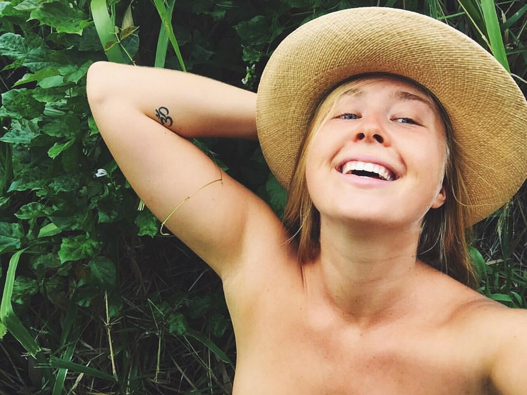 benefits sunbathing of nude
