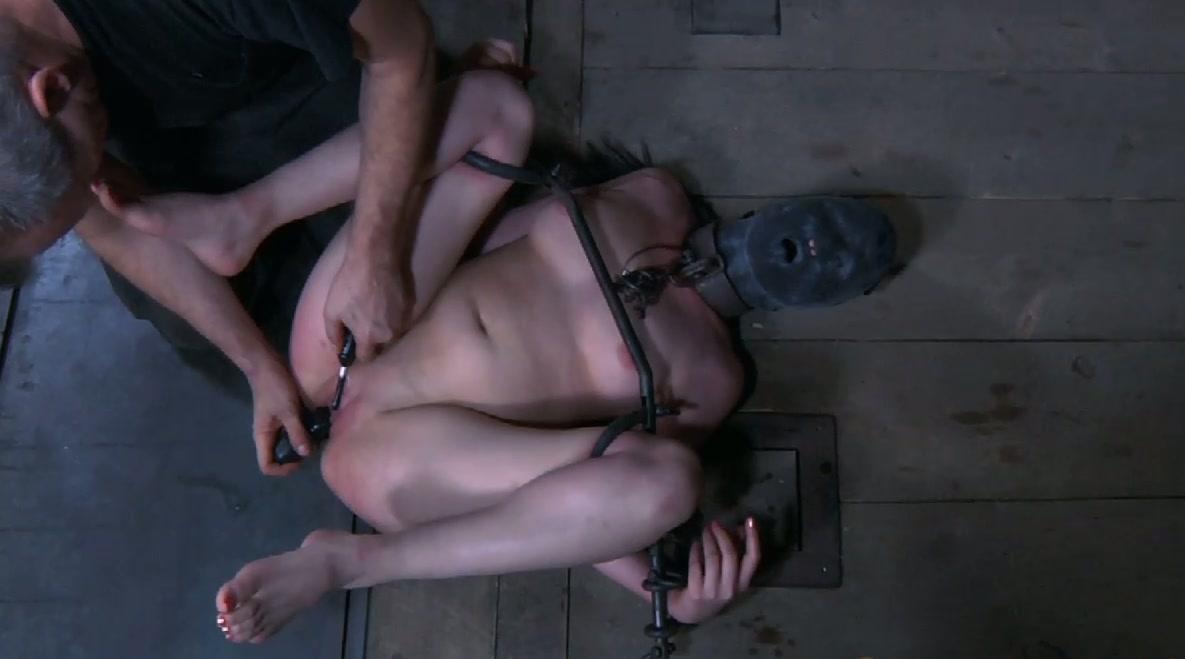 brandon flynn naked