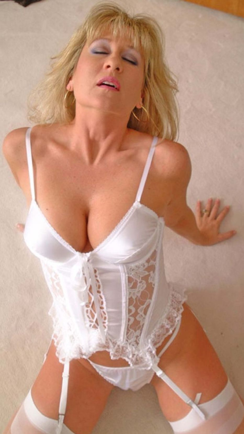 sexy older mature women