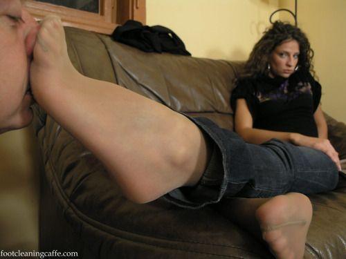 smelling nylon feet