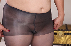 in pantyhose mature gallery